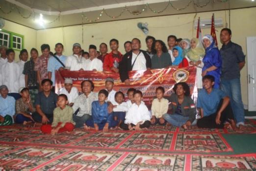 foto bersama anak yatim dan MJFH